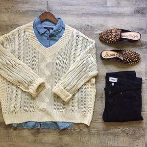 NWT Sensemill V Neck Knit Cream Sweater (Medium)